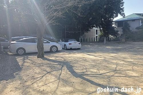 廿軒家神明社の駐車場