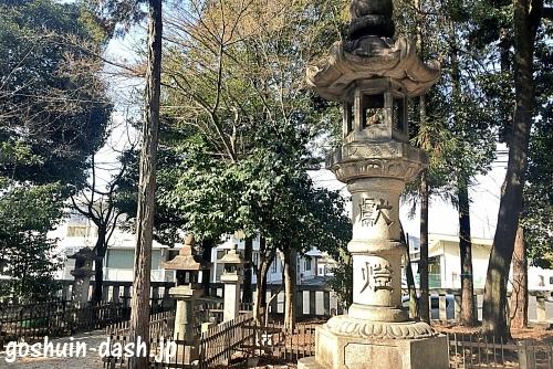 本土神社の燈篭(灯篭)