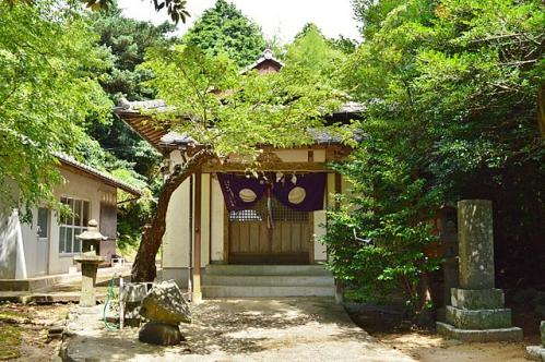 興神社 拝殿