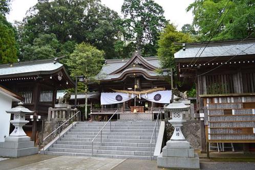西寒多神社拝殿