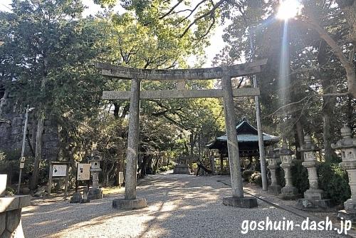 六所神社(岡崎市)参道