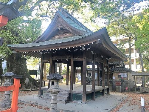 若宮八幡社(豊田市駅すぐ)の拝殿