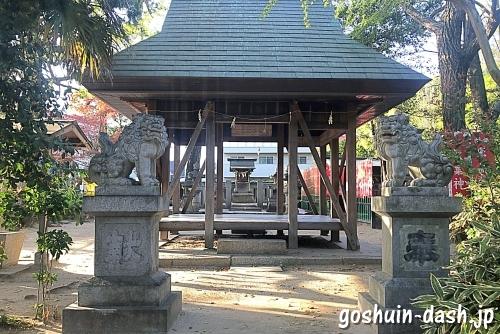 児ノ口社の拝殿・狛犬・本殿
