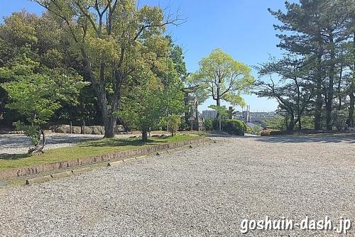 豊藤稲荷神社の駐車場