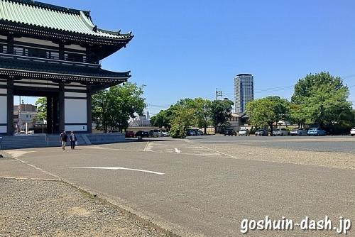 日泰寺駐車場(山門付近)