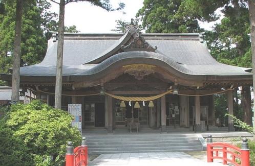 高瀬神社(富山県南砺市)拝殿