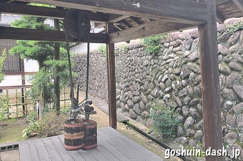 龍泉院(愛知県犬山市)境内井戸