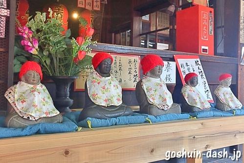 おもかる地蔵(笠寺観音本堂)