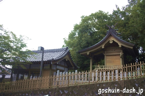 八事御嶽神社(名古屋市天白区)本殿と拝殿