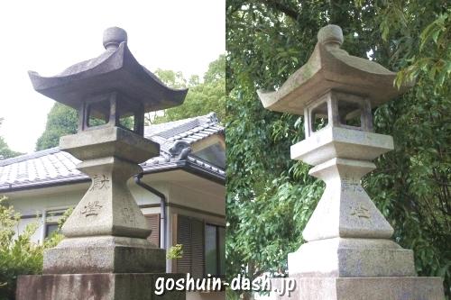 八事御嶽神社(名古屋市天白区)石灯籠(参道脇)