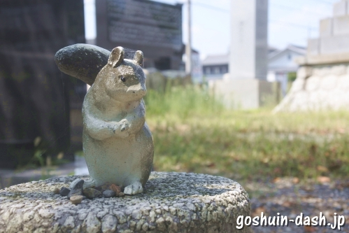 味美白山神社(愛知県春日井市)リス