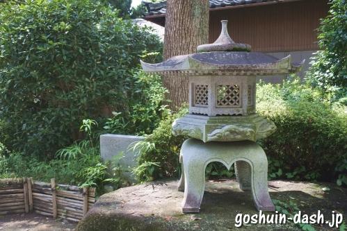 野田八幡宮(愛知県刈谷市)石灯篭