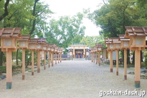 豊国神社(名古屋)の灯篭群