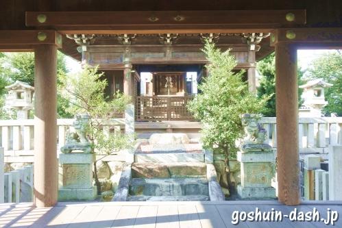 東宿明神社(名古屋市中村区)拝殿から本殿・幣殿を望む