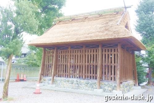 神明社(名古屋市中川区荒子町)本殿(茅葺屋根)
