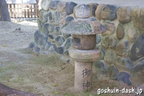 西八龍社(名古屋市北区)石灯籠