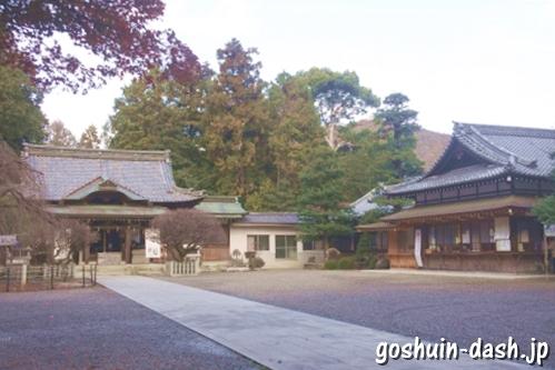 長良天神神社(岐阜市)駐車場(境内)
