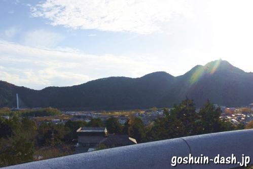 護国之寺(岐阜市)礼拝場からの眺め(岐阜城と鵜飼い大橋)