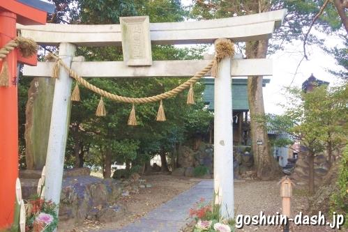護国神社(村国真墨田神社境内)