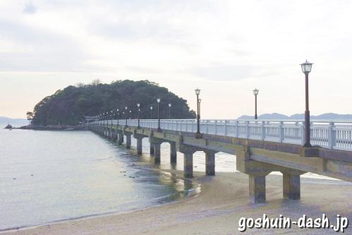 竹島橋と竹島(愛知県蒲郡市)