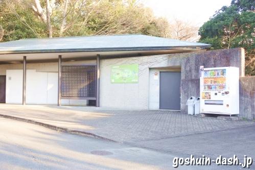 式年遷宮記念神宮美術館駐車場(自動販売機・トイレ)