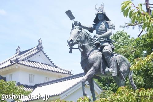 戸田氏鉄騎馬像(大垣公園城西広場)