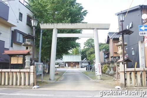 能見神明宮(愛知県岡崎市)鳥居と社号標
