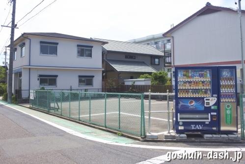 伊勝八幡宮(名古屋市昭和区)駐車場の自動販売機