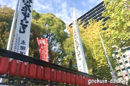 豊川稲荷東京別院(東京都港区元赤坂)常夜灯