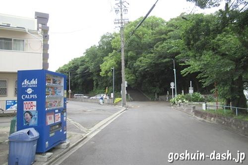 長母寺(名古屋市東区)前の自動販売機